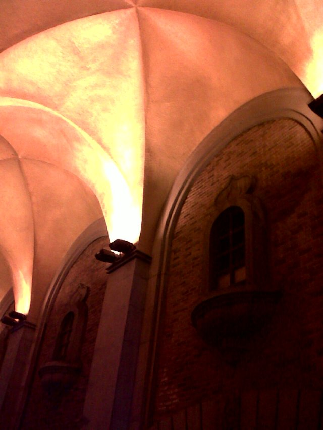 太漂亮了。看起来像一个教堂。So beautiful.  Looks like a church.