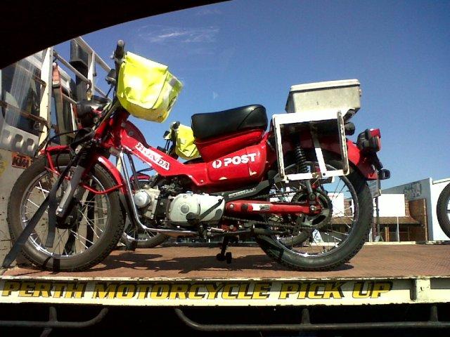 邮局摩托车,yóujú mótuōchē, postoffice motorbike